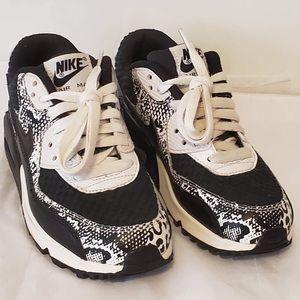 Nike Air Max 90 Prem Mesh Sneakers